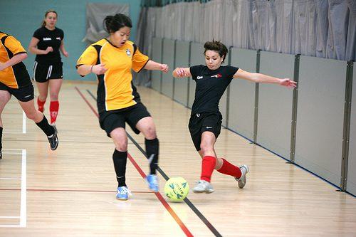 girls-football